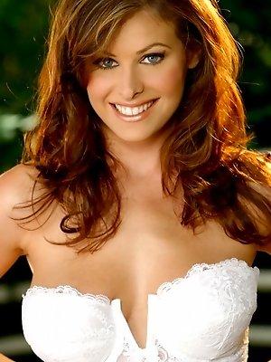 Pornstar Ginger Jolie in lingerie